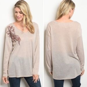 Sweaters - Embroidered oatmeal lightweight sweater